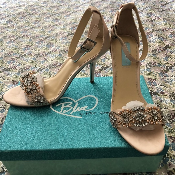 3d854d36796 Betsey Johnson Shoes - Betsy Johnson Blue Gina Champagne heels Sz9